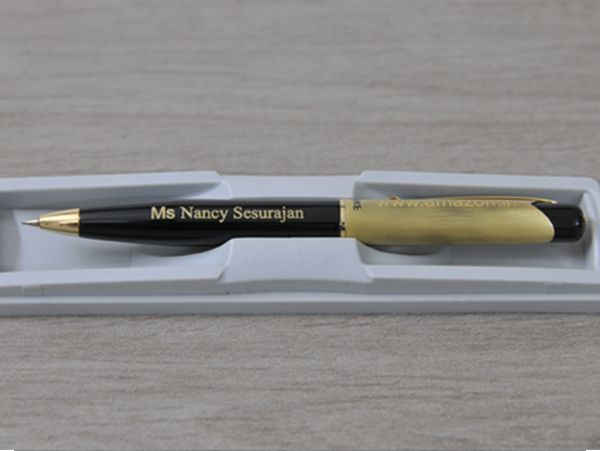 Metal Pen Black and gold finish :