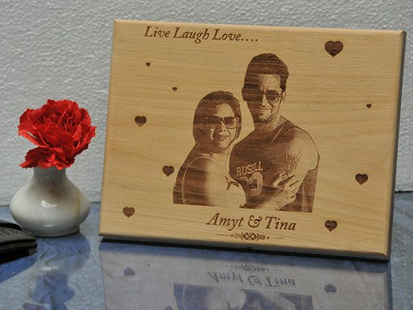 Engraved gifts in Bengaluru. Personalized plaques.