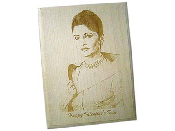 Personalized wooden photo plaques in Gurgaon